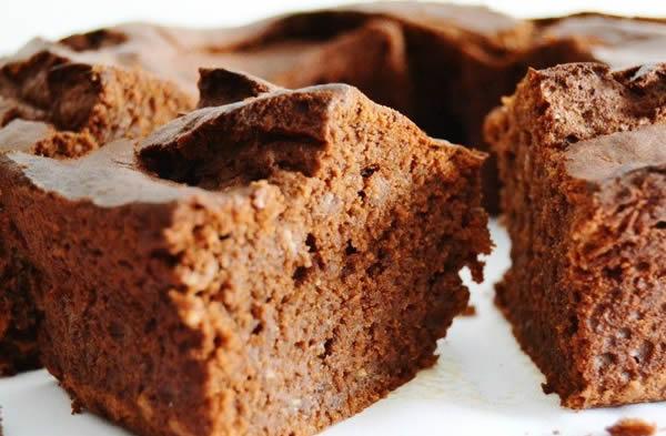 Bolo-de-Banana-com-Chocolate-Leite-Condensado-receita-simples-facil-rapida-cozinha-lucrativa