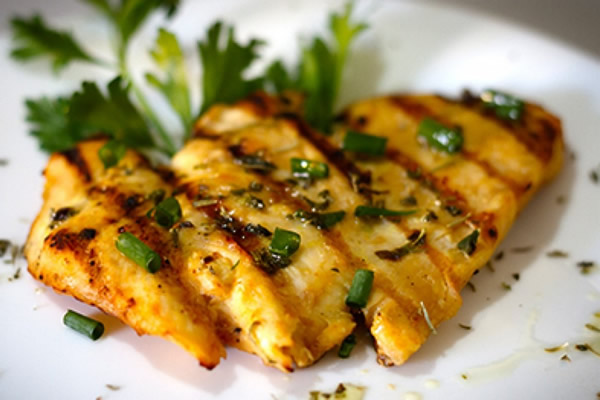 Peito-de-Frango-Grelhado-na-frigideira-receitas-de-frango-facil-simples-rapida-deliciosas