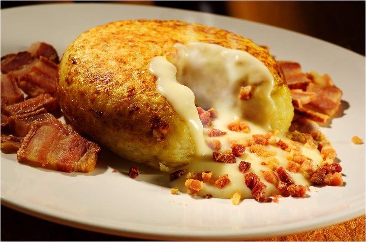batata-recheada-com-bacon-calabresa-veja-a-receita-completa-aqui