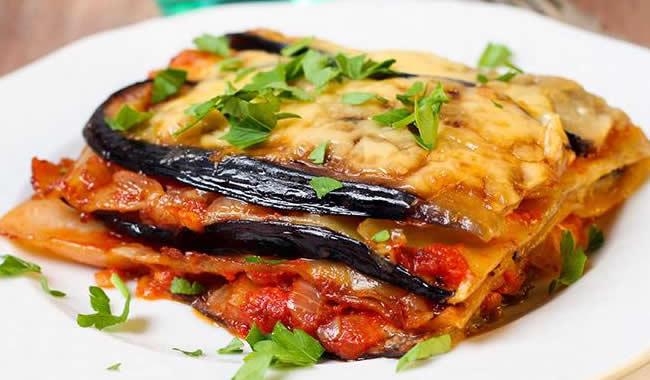 Aprenda-como_fazer_lasanha_de_berinjela_receita-facil-simples-rapida-melhores-receitas-de-lasanha
